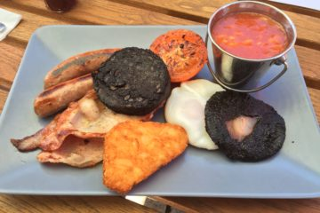 Poms Kitchen and Deli Full English